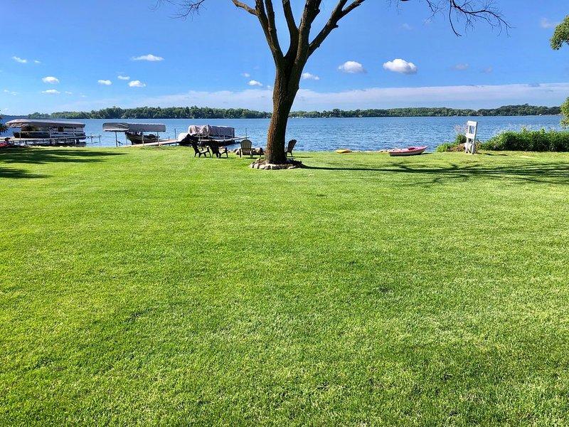 NEW LISTING!  Beautiful Reunion Home on Premier Lake Ida, holiday rental in Brandon
