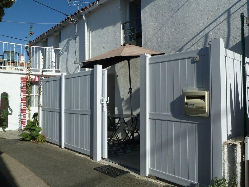 Maison de village authentique proche de la mer., aluguéis de temporada em Olonne-sur-Mer