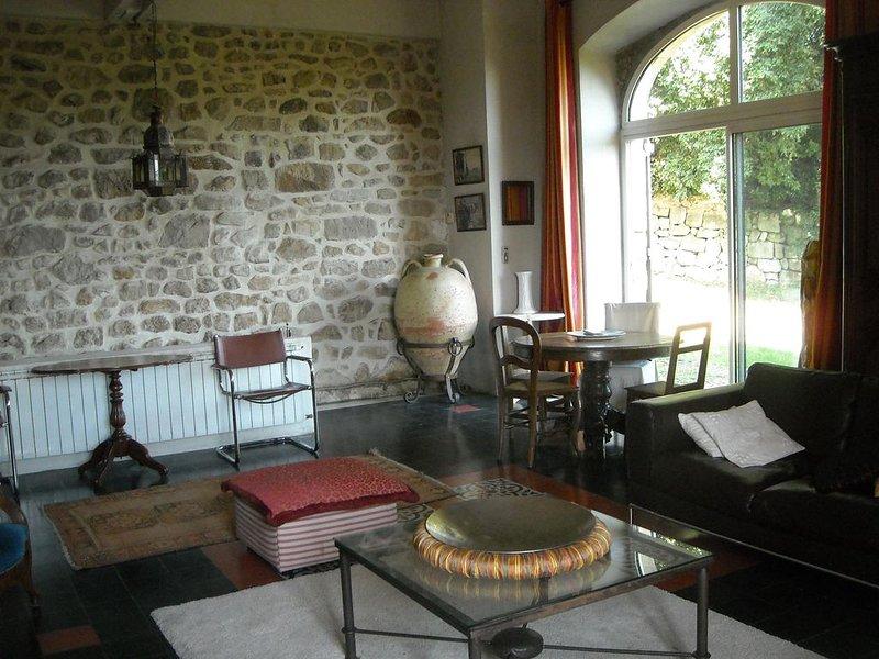 villegiature de charme dans une grande maison, holiday rental in Prades