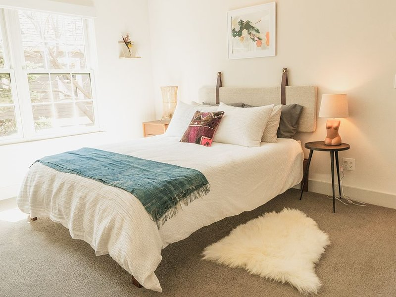 HIGH END Townhome- Walk to Pearl St, CU and Google, casa vacanza a Niwot