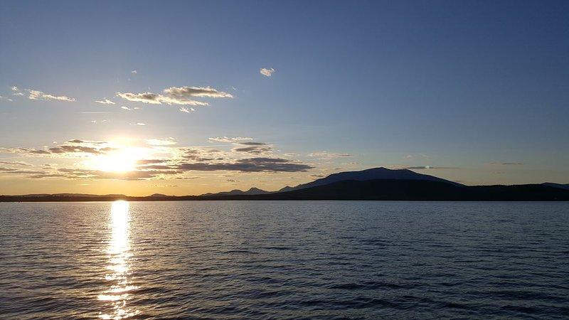 Monte Katahdin desde el lago Millinocket.