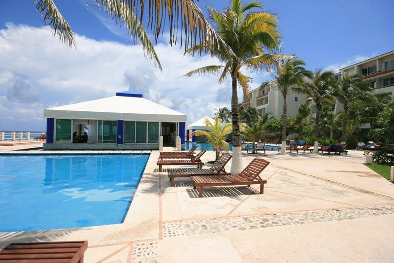 Beautifully decorated 2 floors appartment / Ground Level, location de vacances à Cancún