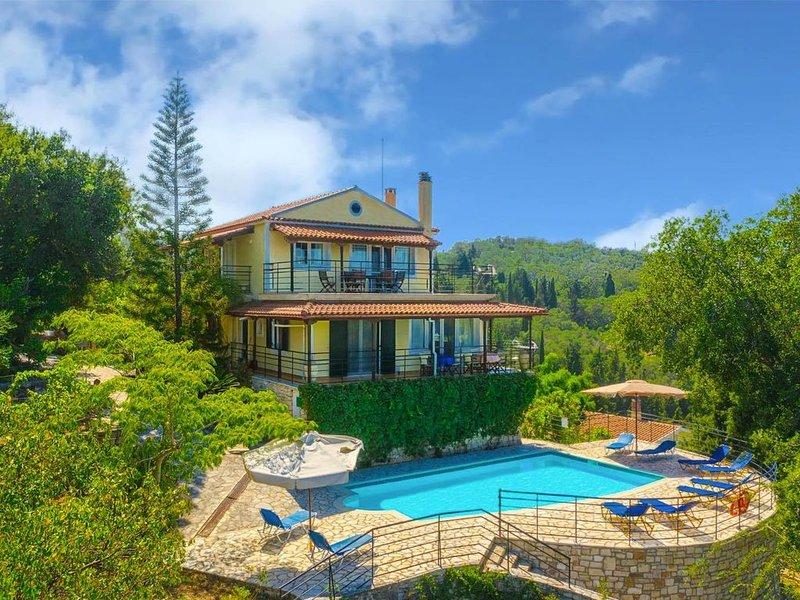 Villa Nefeli: Large Private Pool, Walk to Beach, Sea Views, A/C, WiFi, Car Not R, location de vacances à Paxos