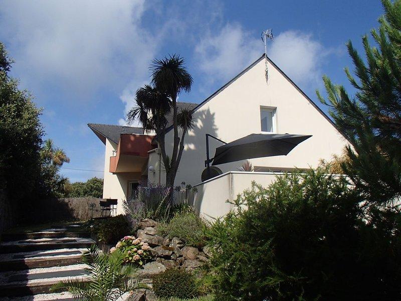 Villa contemporaine au Pouliguen à 150m de la côte sauvage, holiday rental in Le Pouliguen