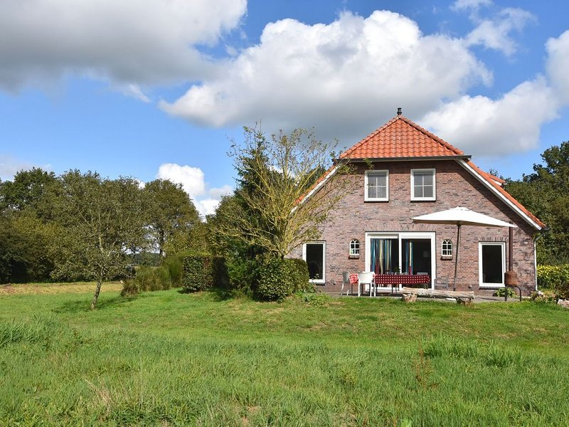 Secluded Holiday Home in Hollandscheveld with Forest Near, holiday rental in Meppen
