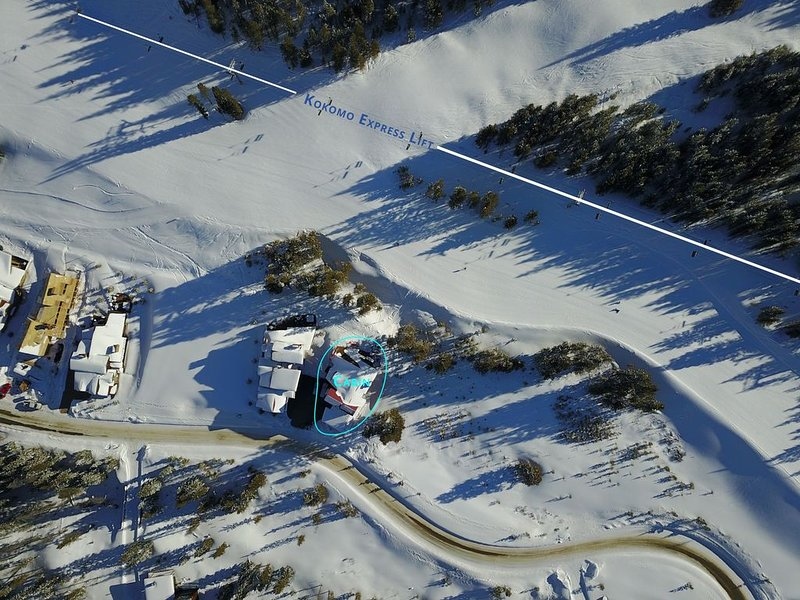 True Ski-in/ski-out luxury mountain home on Roundabout run, alquiler vacacional en Copper Mountain