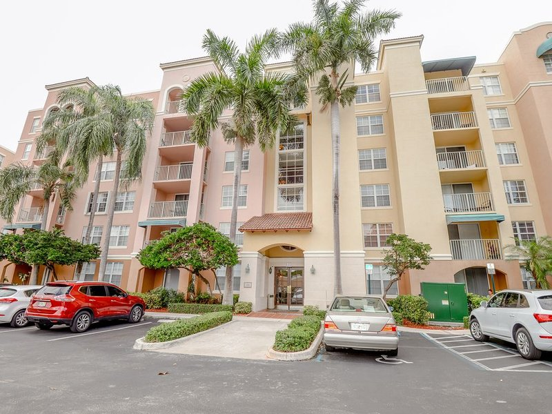 Aventura's Finest 2 BDR/2BTH Vacation Rental with Free WIFI & CABLE, alquiler vacacional en Aventura
