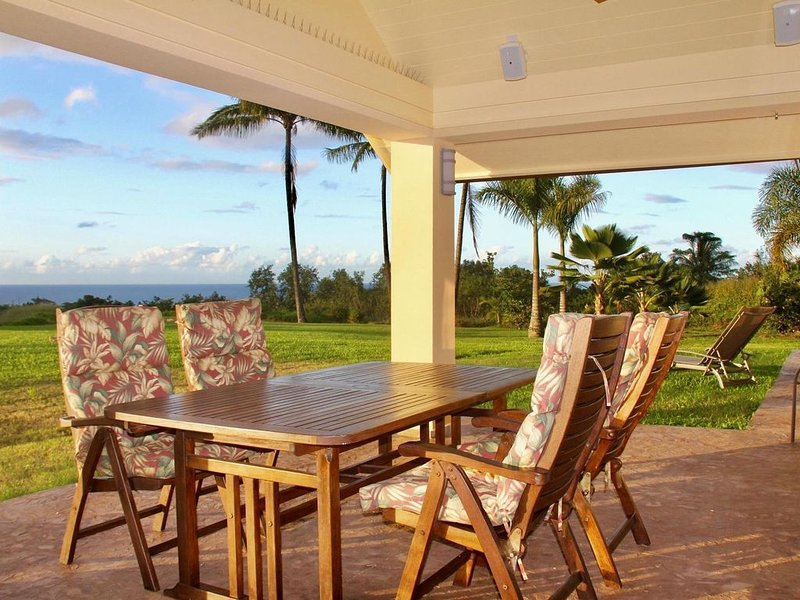 North Shore Ocean View Cottage, alquiler de vacaciones en Makawao