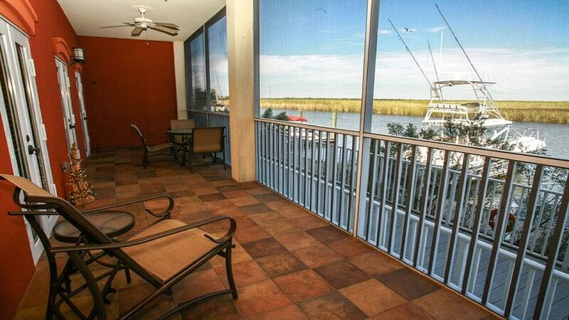Riverfront Condo on Beautiful Apalachicola River!, holiday rental in Apalachicola