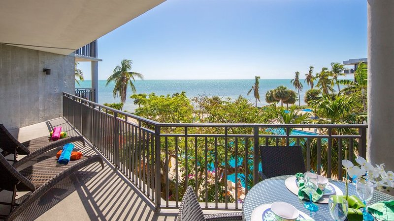 **SMOOTH SAILING * THE BEACH** Ocean Condo / Pool & Tennis + LAST KEY SERVICES.., vacation rental in Stock Island