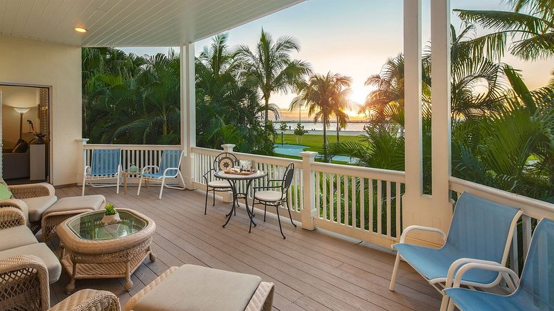 **PROMENADE TO PARADISE** Ocean Condo & Pool + LAST KEY SERVICES..., holiday rental in Stock Island