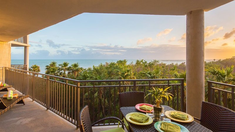 **SHANG-RI-LA * THE BEACH** Oceanview Condo / Pool & Tennis + LAST KEY SERVICES., holiday rental in Stock Island