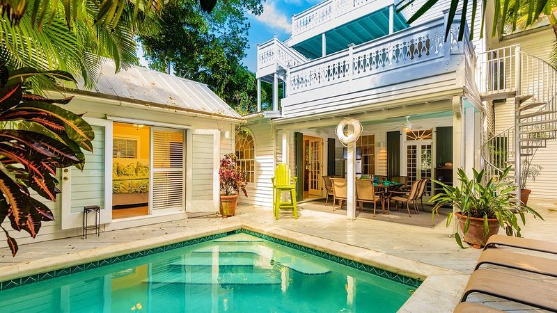 **CASA VICTORIA * OLD TOWN** Historic 5BR Home & Pool + LAST KEY SERVICES..., holiday rental in Stock Island