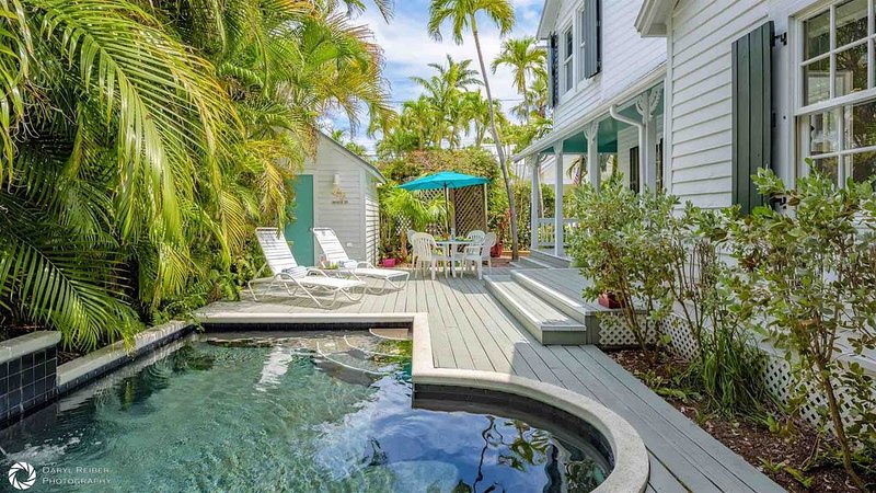 **CASA SERENDIPITY * OLD TOWN** Historic 3BR/2BA Home & Pool + LAST KEY SERVICE, holiday rental in Stock Island