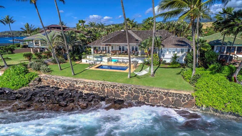 Kukui'ula Kai - Oceanfront Home with Pool and Large Lounge Area, holiday rental in Kalaheo
