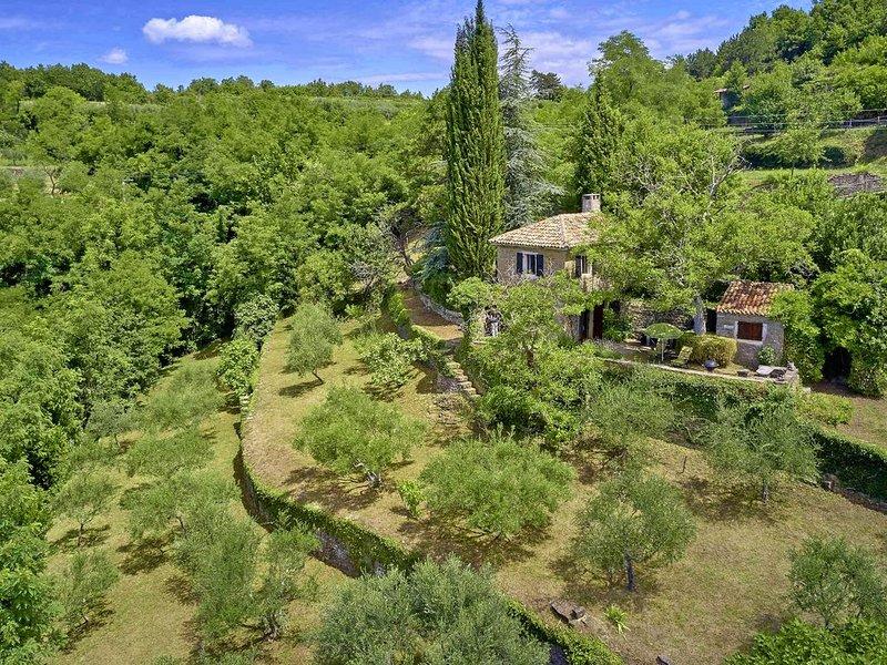 Ferienhaus Funtana * einzigartiger Ausblick, Garten mit Grill, holiday rental in Vizintini Vrhi