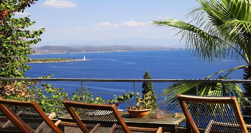 Villa privée avec vue panoramique sur la mer, holiday rental in Laconia Region