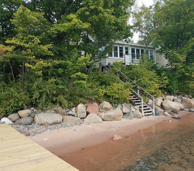 Madeline Island Cabin on the Shore of Lake Superior - BAYSIDE, alquiler de vacaciones en La Pointe