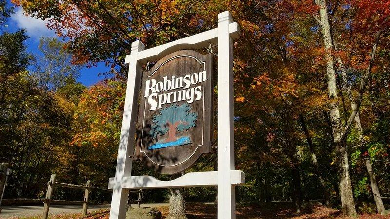 Entrance to Robinson Springs