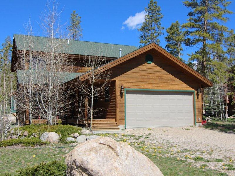 Getaway  in our Spacious mountain retreat in Grand Lake, CO, vacation rental in Grand Lake