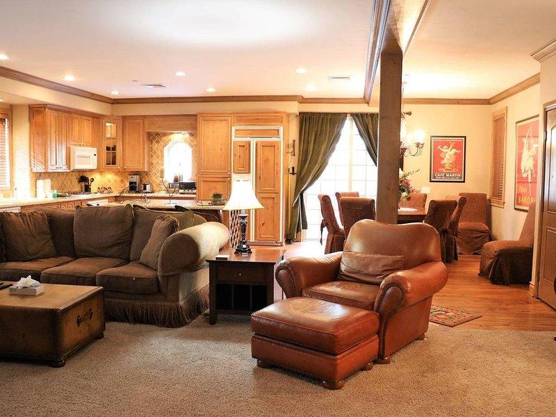 1850 kvadratmeter öppet konceptutrymme, perfekt för familjer och vänner att umgås tillsammans