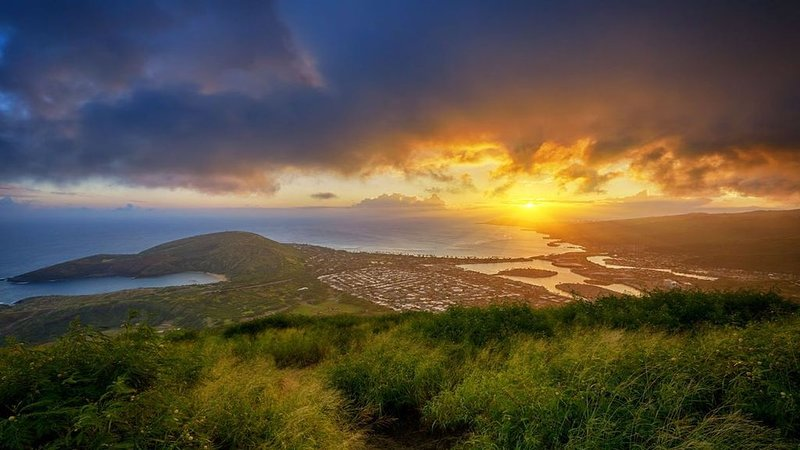 The breathtaking view from Koko Head Trail.