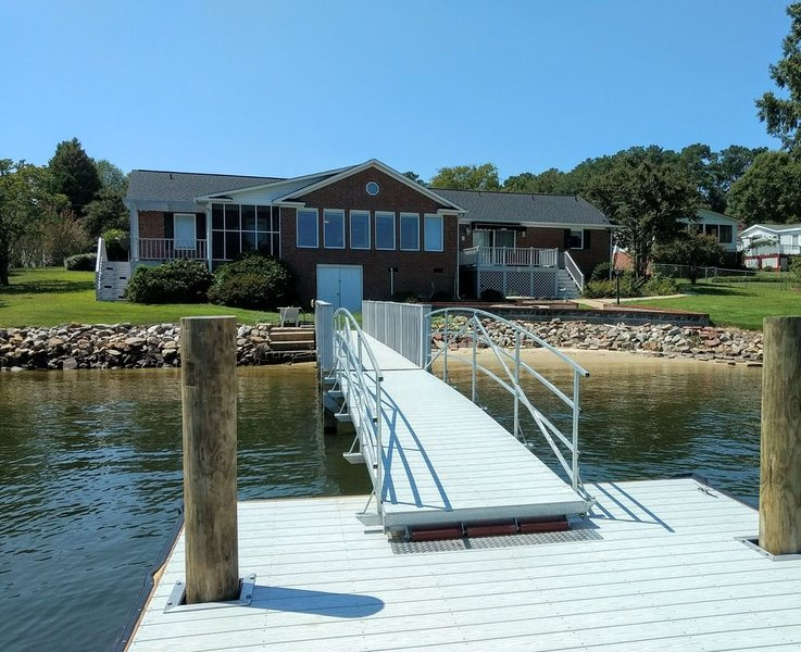Spacious, beautiful home on Lake Murray, holiday rental in Prosperity
