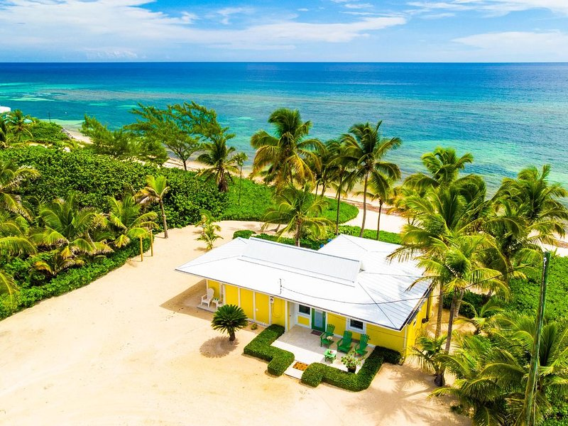 2BR-Cool Change: Oceanfront Caribbean Cottage in Rum Point-Excellent Snorkeling, holiday rental in North Side