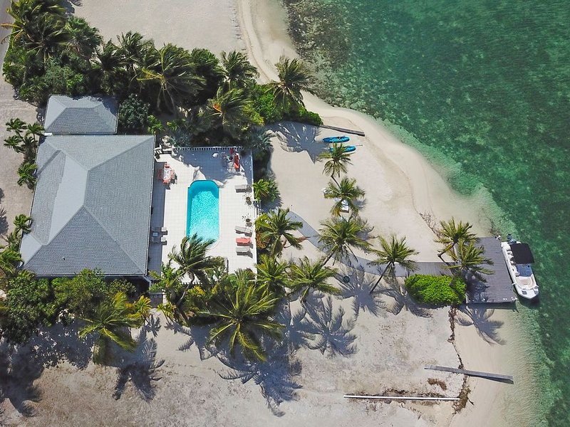 Kailypso: Beach House Oasis with Private Pool, Secluded Beach, Kayaks + Dock on, holiday rental in Rum Point