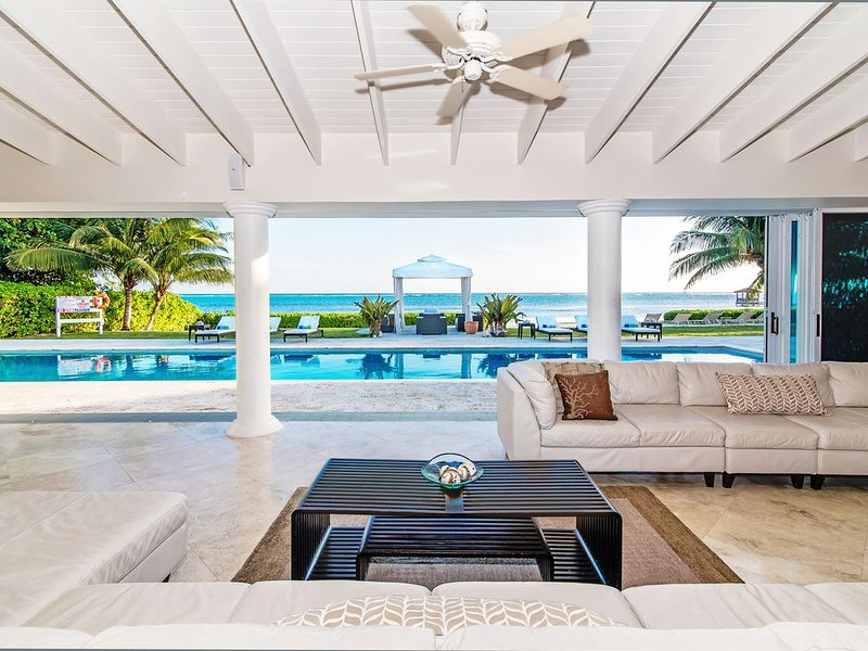 7BR-Villa Mora-Oceanfront Luxury Private Villa, pool, spa & outdoor kitchen, aluguéis de temporada em Savannah