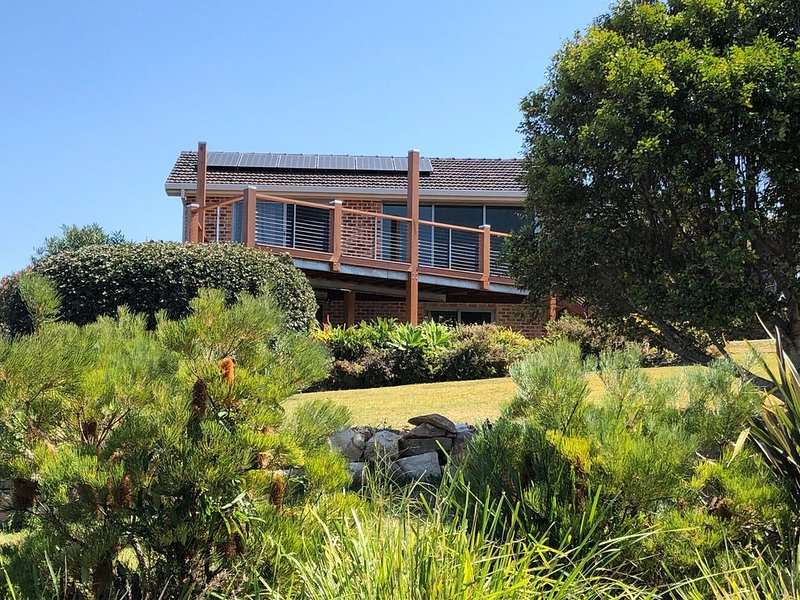 Bellinger Beach House, holiday rental in Valla