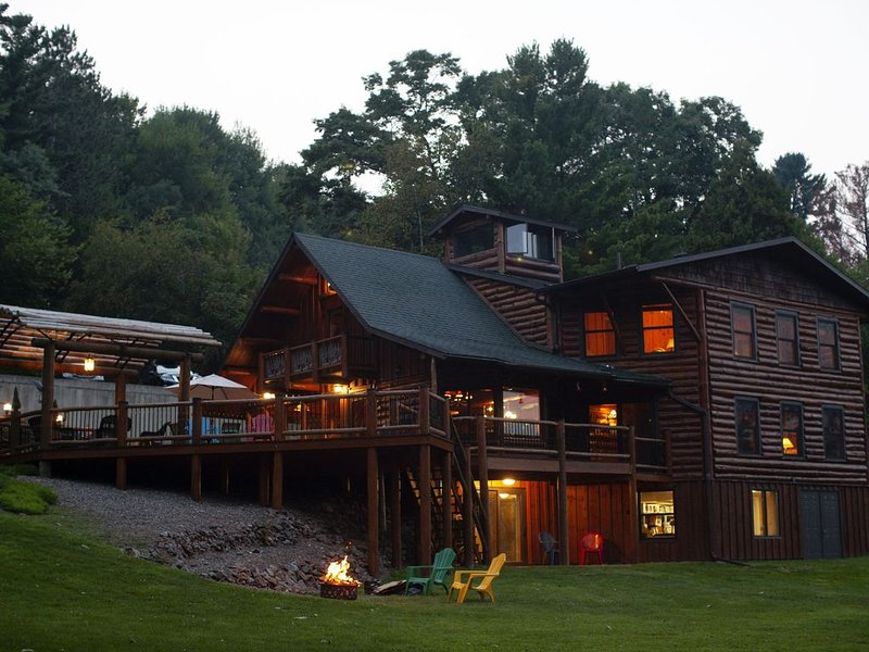 The Lodge on Elk Creek Lake, vacation rental in Altoona