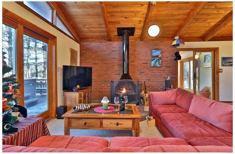 Killington Beautiful, Secluded Ski House, Near Lifts-4 BR/2 BA, alquiler de vacaciones en Pittsfield