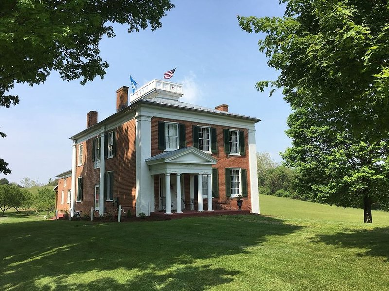 Grand Manor Church Hill Birthplace of Sam Houston, holiday rental in Lexington