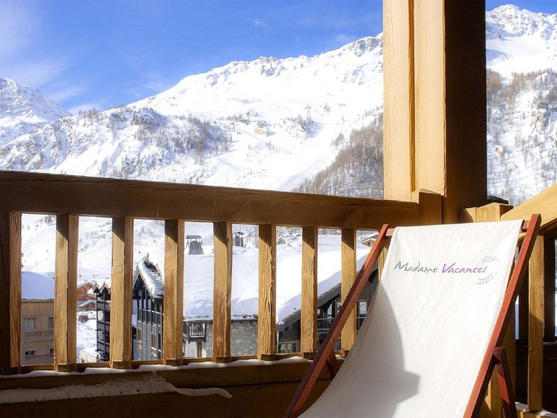 Savoyards and rustic apartment in the heart of Val d'Isère, alquiler vacacional en Val d'Isère