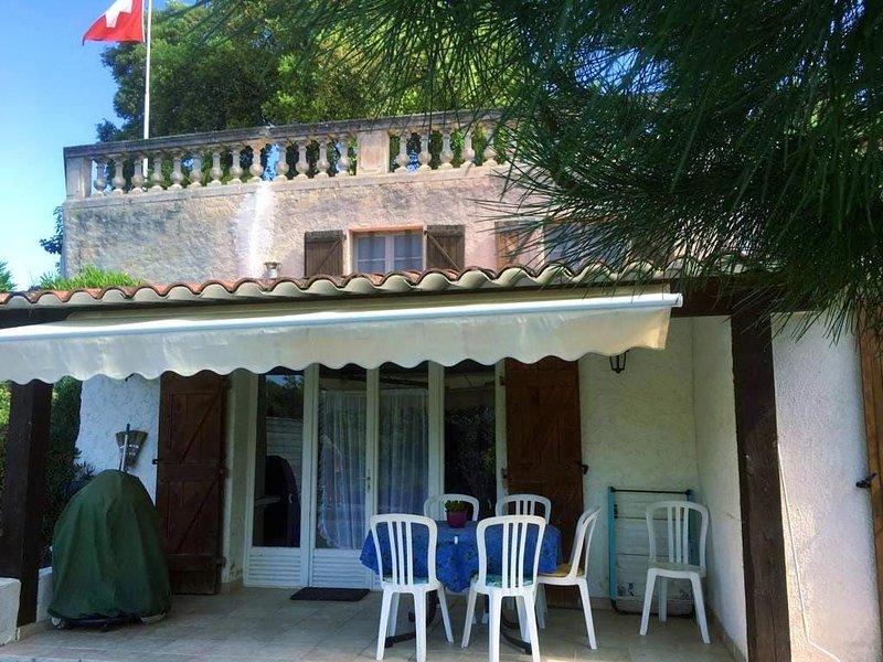 Haus mit eingezäuntem Garten und grosser Terrasse, location de vacances à Sainte-Maxime