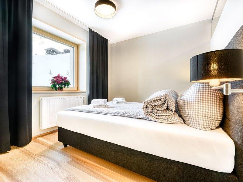 Am Gehren - Appartement 10 (2-4 Personen / Typ 1), holiday rental in Mittelberg