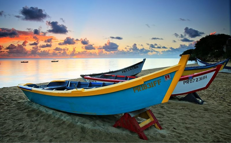 Come stay at Cocoloba and enjoy the beauty of Crash Boat.