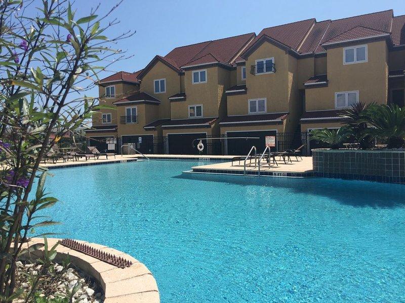 Pensacola Beach Luxury Town House, Ferienwohnung in Pensacola Beach