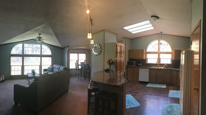 Castle Rock Cottage - Wisconsin, holiday rental in Kendall