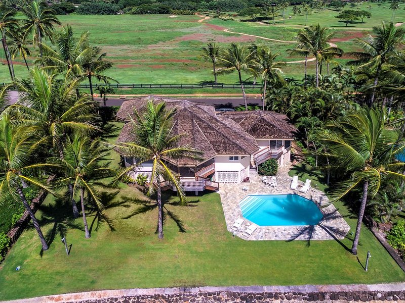 Honu Lani - Oceanfront Home with Pool and Amazing Views!, holiday rental in Kalaheo
