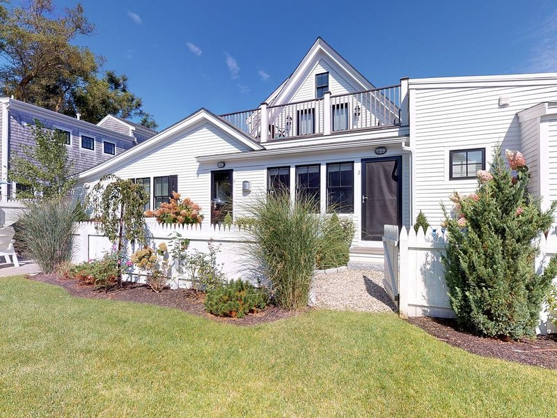 Upscale East End home w/ manicured grounds & deeded beach access!, vacation rental in Provincetown