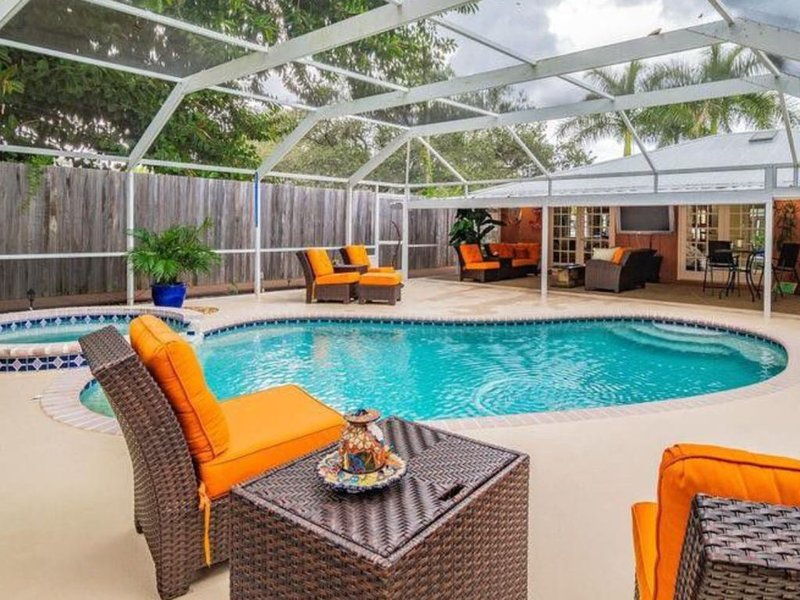 Three Palms close to IMG and beaches, holiday rental in Bradenton