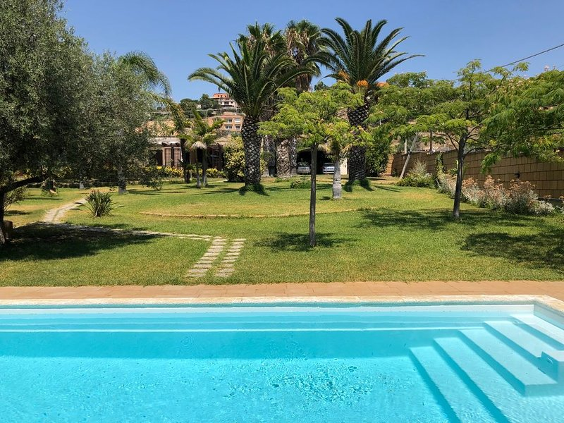 Villa Alexa Garden & Relax, holiday rental in Agrigento