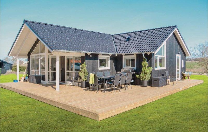 3 Zimmer Unterkunft in Knebel, holiday rental in Foelle Strand