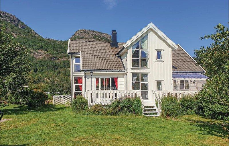 5 Zimmer Unterkunft in Farsund, vacation rental in Kvinesdal Municipality