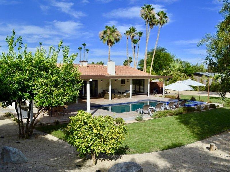 New Modern Remodel! -- Ranch Style Villa with Mountain Vistas, alquiler de vacaciones en Rancho Mirage