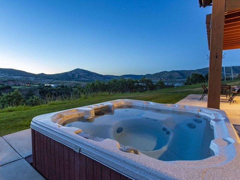 Exquisite 4BR/4.5BA Deer Valley Ski Home, Mountain & Lake Views, Private Hot Tu, location de vacances à Midway