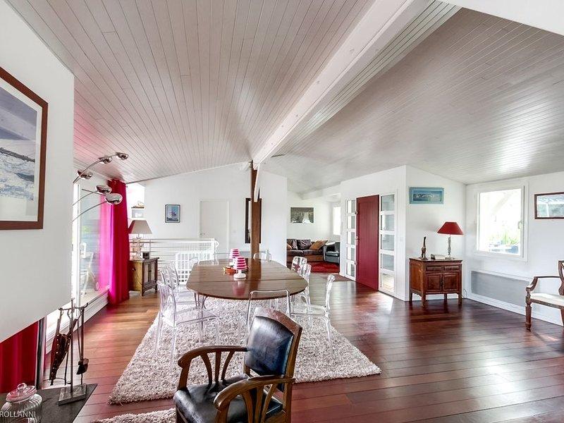 Architect house comfortable 500m from the beach and close to the Moulleau, location de vacances à La Teste-de-Buch