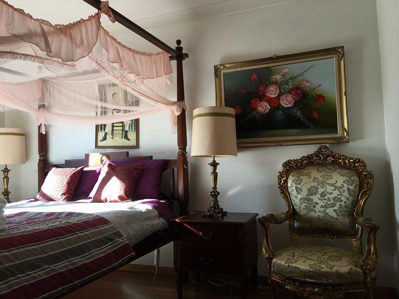 Leura Art Deco garden house, holiday rental in Leura